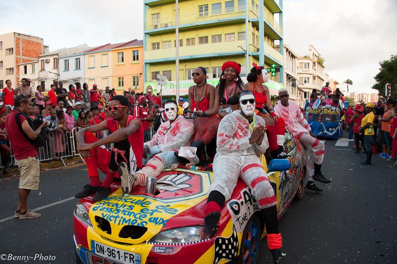 martinique-citoyenne.-credit-photo-carnaval-2015-benny-photo